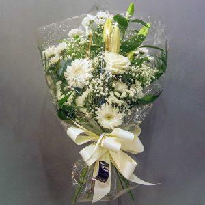 Ramo funerario con flores blancas y margaritas en la tienda online de La Victoria